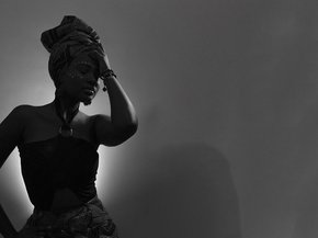 Women in African art