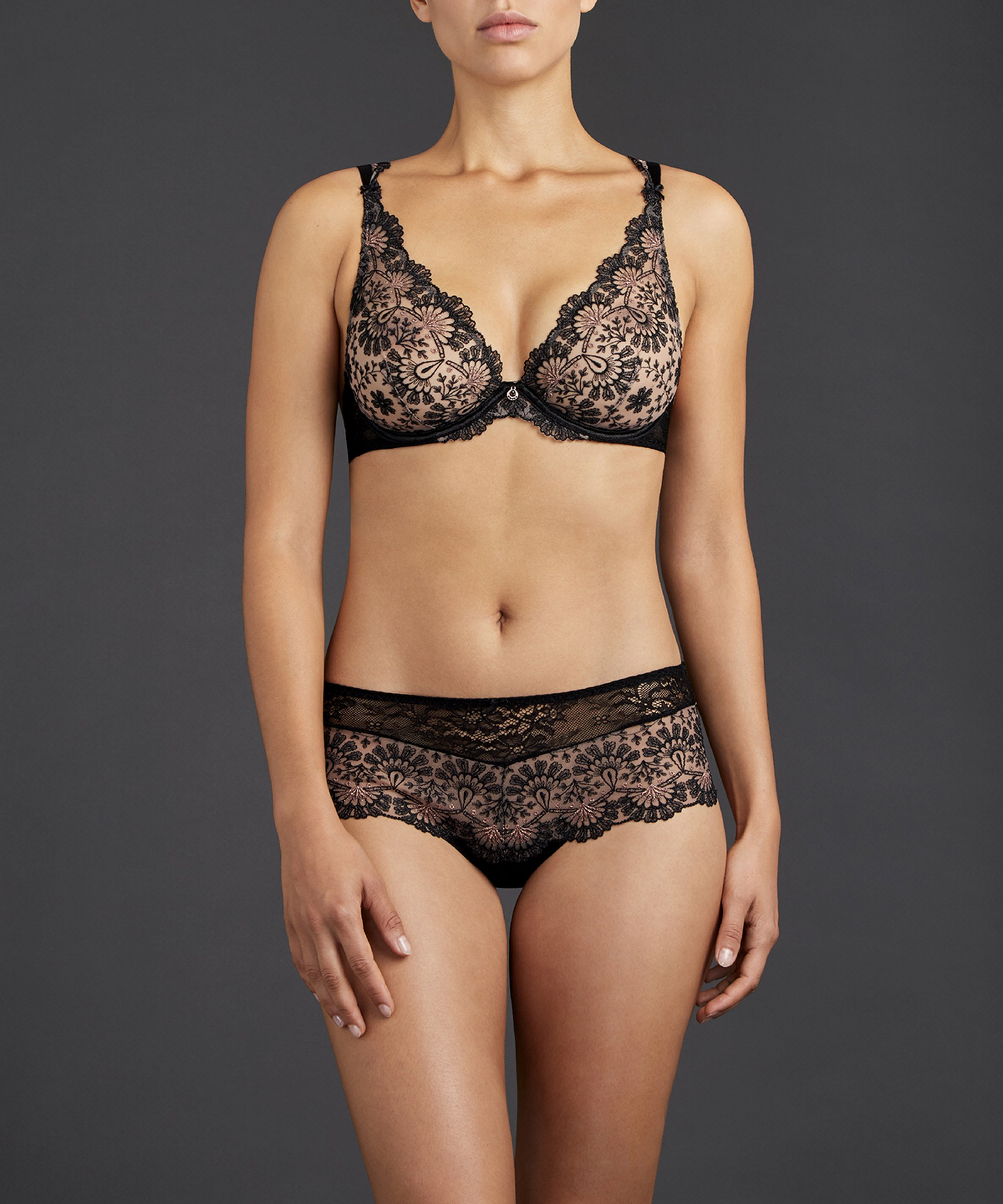 ART OF INK Triangle plunge bra Icone Black | Aubade