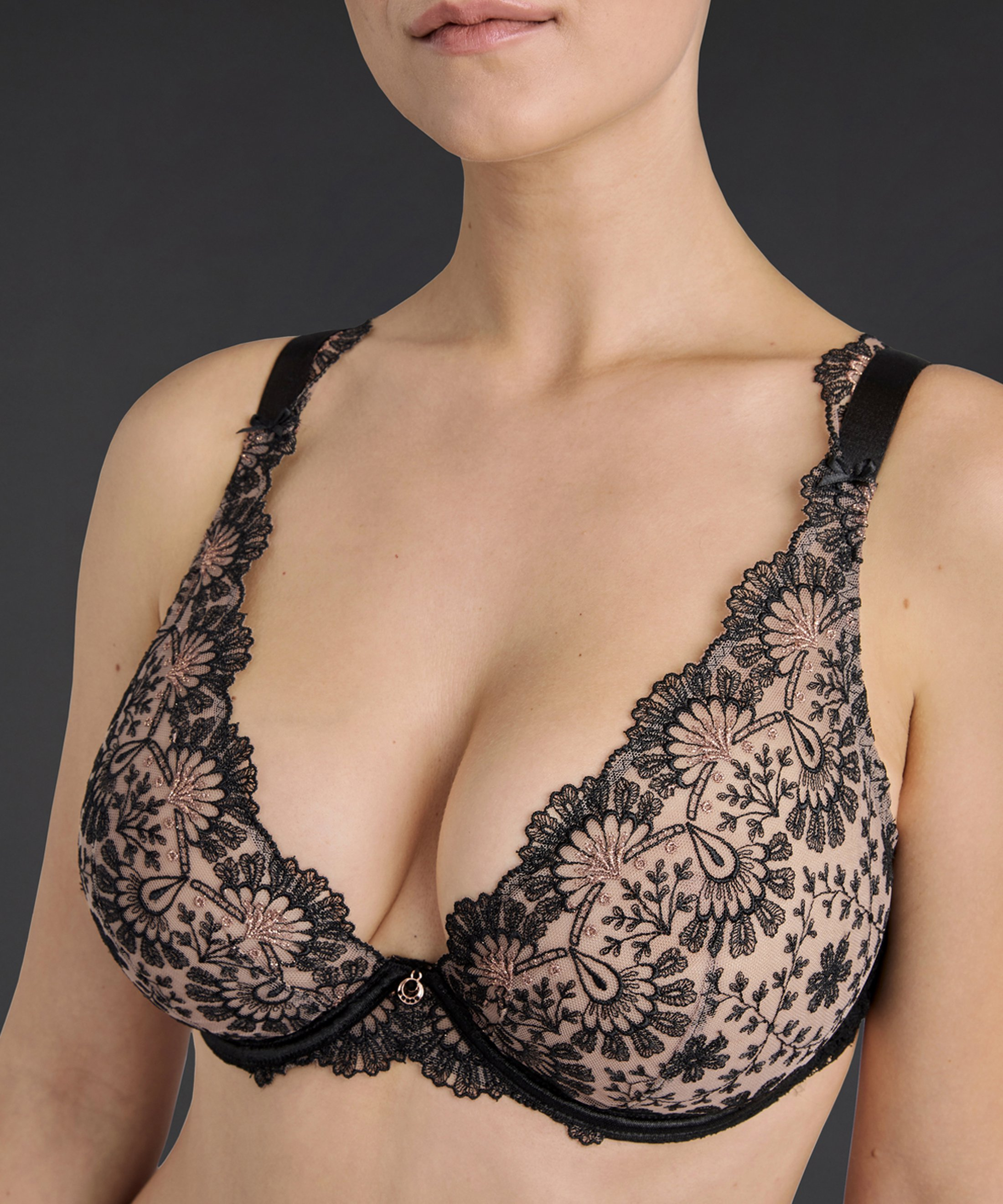 ART OF INK Comfort triangle plunge bra Icone Black | Aubade
